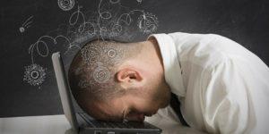 man-suffering-sleep-deprivation-symptoms-750x375