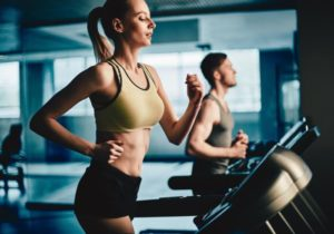 woman-running-at-a-gym