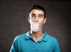 preview-full-11-Reasons-Why-You-Should-Stop-Chewing-Gum-photo6