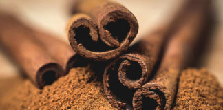 cinnamon bark and powder