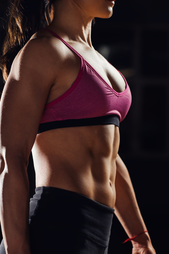 fit woman with 6 pack abs